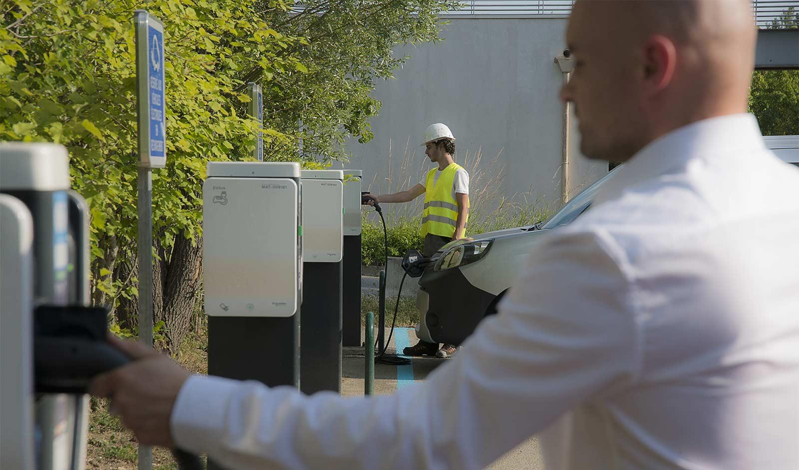 borne de recharge véhicules électriques professionnels