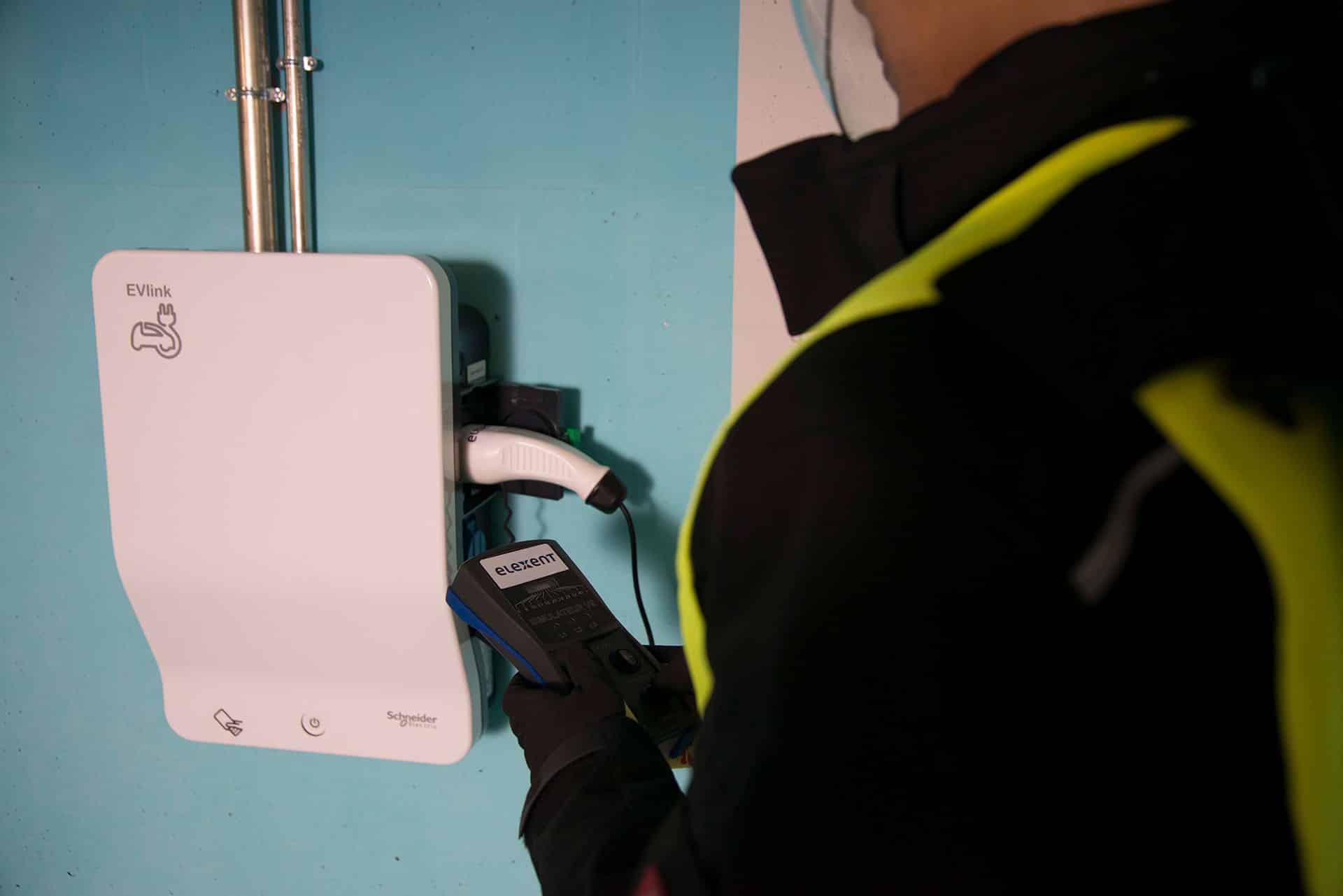 borne de recharge audit parking véhicule électrique
