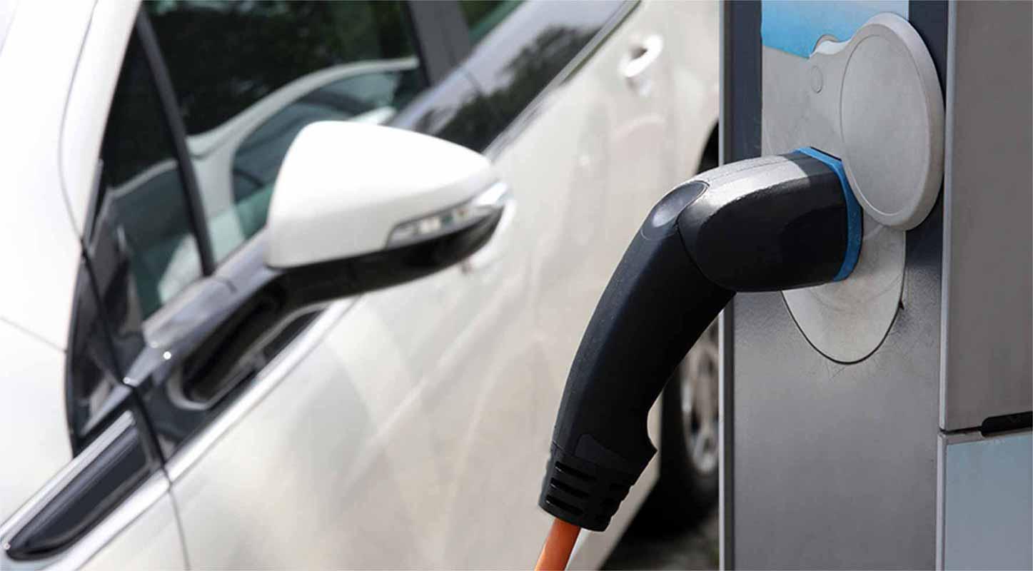 borne de recharge véhicule électrique Corse prospective
